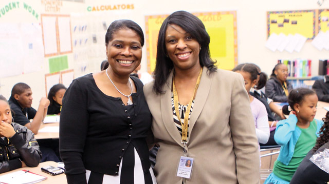 NU-TEACH grad Rosalind Kline-Thomas wins Golden Apple Award. Read more >>